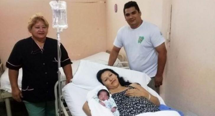 La primera beba del año nació en el Caps 15