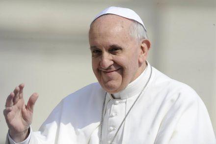 Francisco pidió por los inmigrantes en su primer alocución y bendición Urbi et Orbi