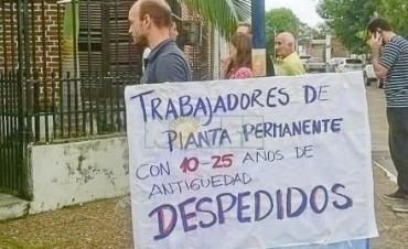 Concentración de estatales frente a Invico, en respaldo a marcha