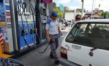 Los combustibles subieron 6% en Shell, y en YPF aumentarían a partir de febrero