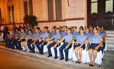 Inscriben en la Escuela de Policía.