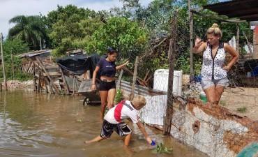 Monitorean nueve barrios de la ribera y comienzan las autoevacuaciones