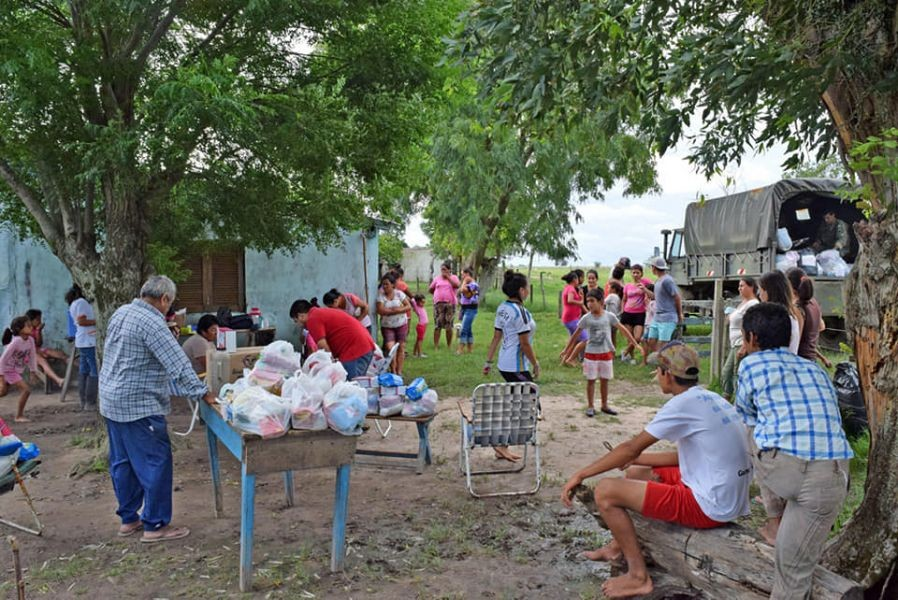 El Ejército ayuda en el rescate de inundados en Perugorría