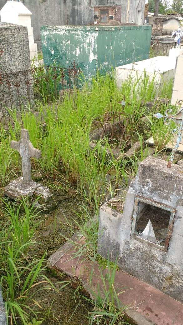Quejas de los vecinos por el abandono del cementerio y el mal estado de las calles