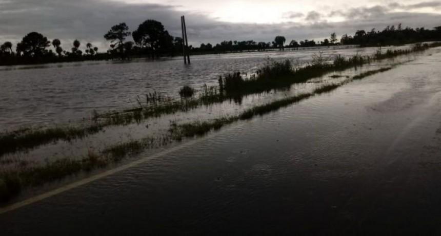 Por desborde de arroyos, piden precaución al circular por Ruta 12