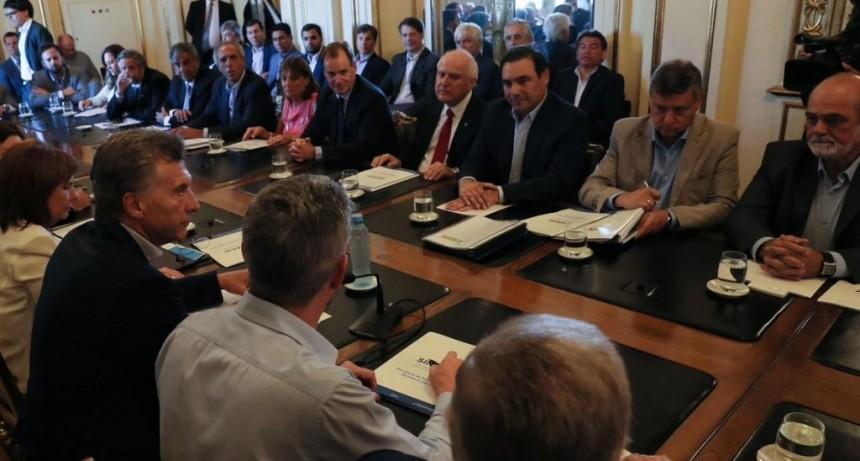 Valdés le pidió a Macri obras hídricas y un ATN de $500 millones para recuperar caminos