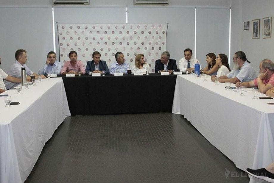 Valdés con la UCR nacional: evaluaron la gestión de Fernández y criticaron las retenciones