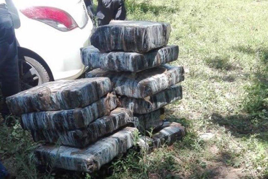 Incautan más de 400 kilos de marihuana en una localidad de Corrientes
