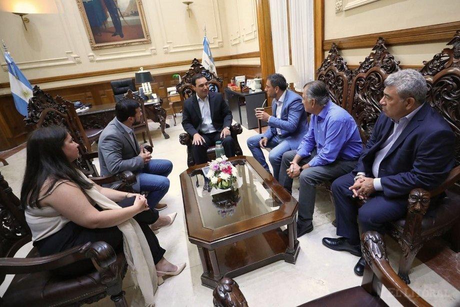 El ministro Cabandié se reunió con el Gobernador y visitó una cooperativa de reciclado