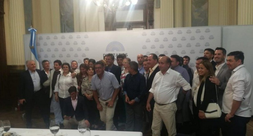 Intendentes correntinos almorzaron con Massa y gestionan obras con ministros de Fernández