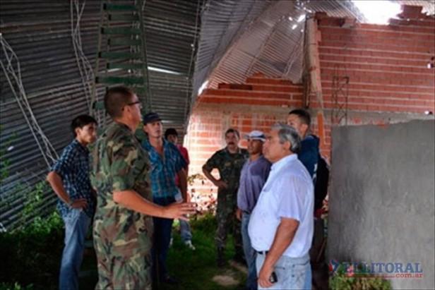 Curuzú: temporal causó caída de postes y voladura de techos