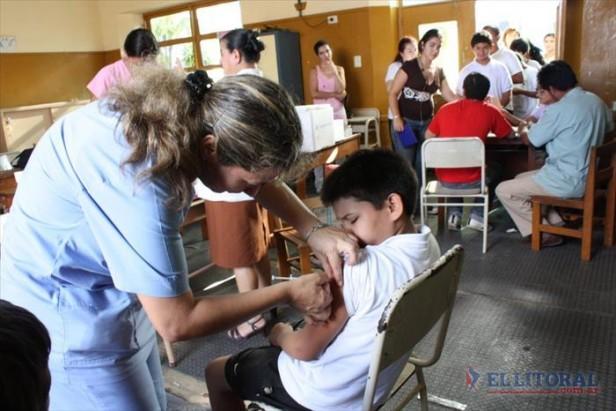 Recomiendan colocar las vacunas del calendario antes de volver a las aulas