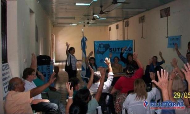 Docentes: sigue la paritaria nacional y en Corrientes se consultan medidas