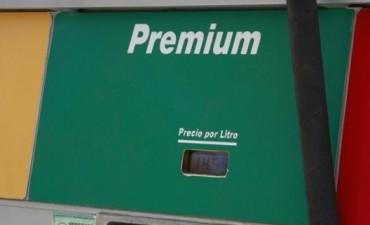 Combustibles: una seguidilla de subas lleva a casi los $15