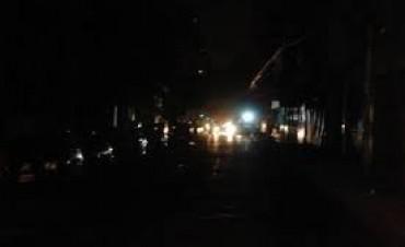 Varios barrios registraron cortes de energía en la madrugada y tarde de ayer