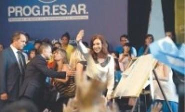 Cristina llamó a defender la paz y la democracia en toda la región