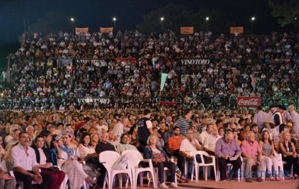 Acordes y homenajes en multitudinarias fiestas en Mburucuyá, Santa Ana y Mantilla