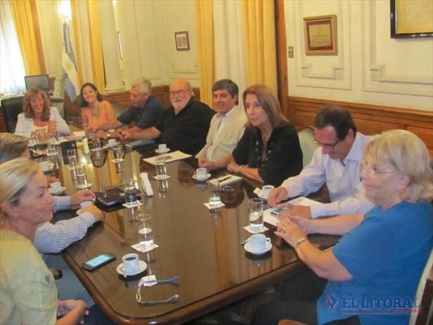 Veiravé se reunirá hoy con Capitanich en busca de apoyo para ofertas de la Unne