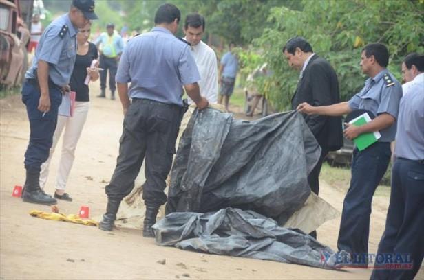 Un cabo de la Policía mató de cuatro disparos a su vecino en el barrio Lomas
