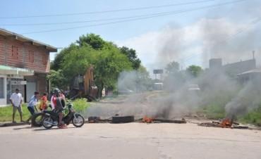 Vecinos del Molina Punta cortan acceso al barrio