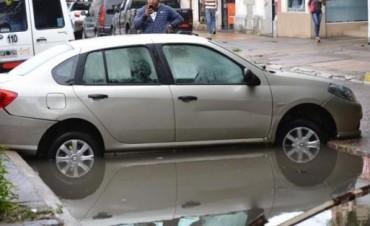 Llovió más de 90 milímetros en sólo dos horas y casi toda la ciudad fue un caos