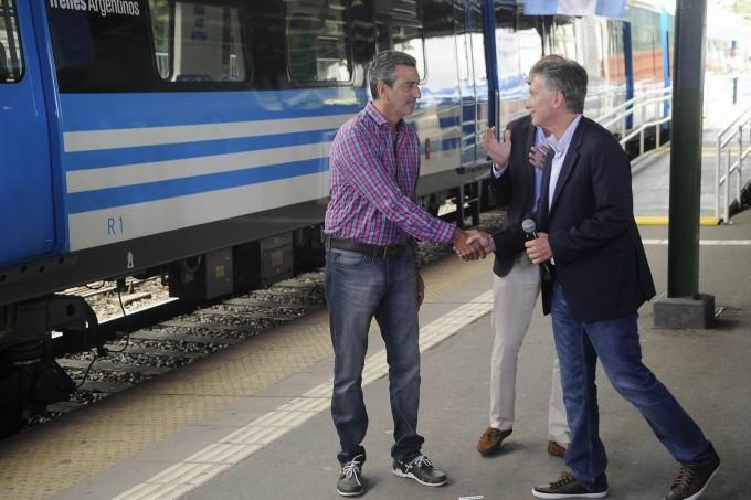Macri inauguró obras en el tren Roca junto a Randazzo