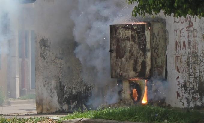 Incendio en un tablero de la DPEC desató el temor en Laguna Seca