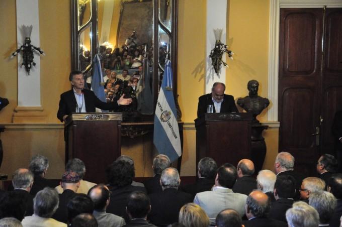 """Colombi dijo que """"esperaban ansiosos"""" la visita presidencial"""