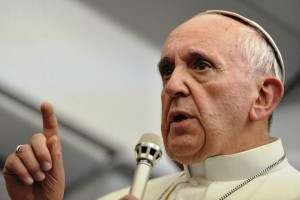 """Francisco pidió """"una respuesta conjunta"""" para el drama los refugiados"""