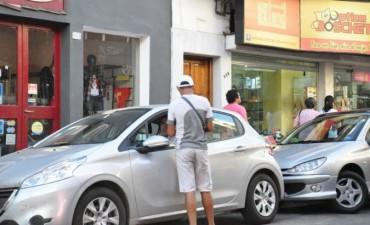 Advierten que no está regulado el cobro del estacionamiento en la Costanera