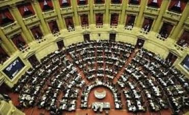 El Senado debate la validez de 11 DNU y pliegos de diplomáticos