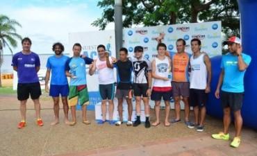 Cientos de atletas participaron del Triatlón Ciudad de Corrientes