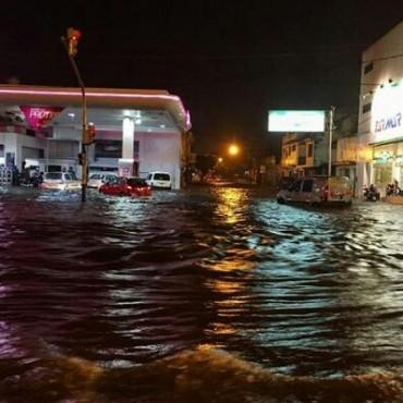 En pocos minutos, un temporal generó varios inconvenientes en la capital