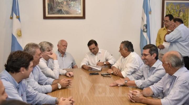 Valdés viajará a Buenos Aires para presenciar el mensaje de Macri ante la Asamblea Legislativa