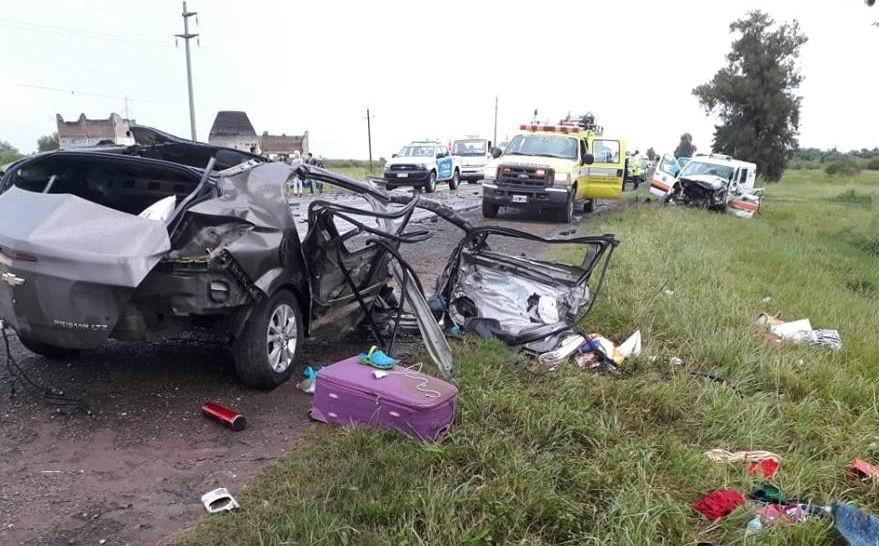 Dos muertos en choque frontal sobre Ruta 16