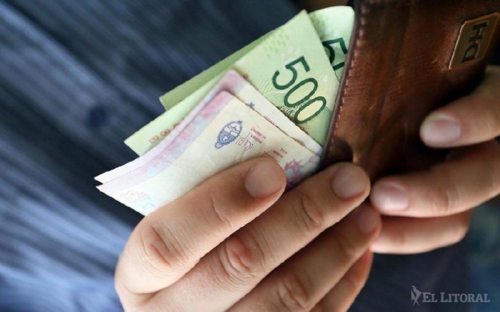 Mañana arranca el pago del plus de 4500 pesos para los empleados públicos