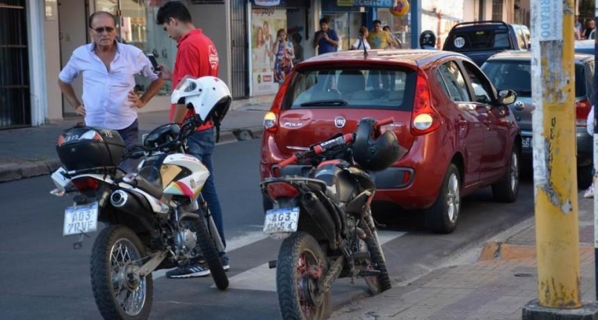 Tenía 13 años y chocó con la moto que guiaba: murió en el acto