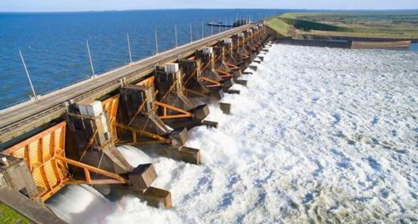 Desmienten nueva versión sobre fisuras en la represa