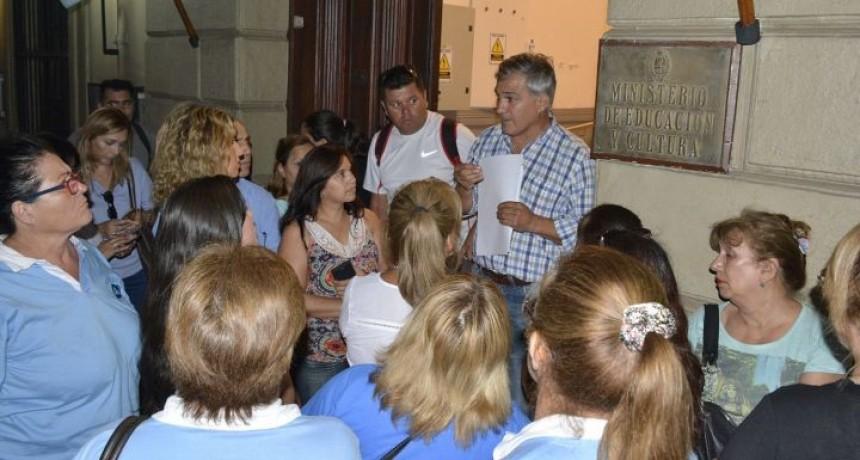 SUTECO pide se prorrogue presentación de directivos y docentes hasta el lunes 18