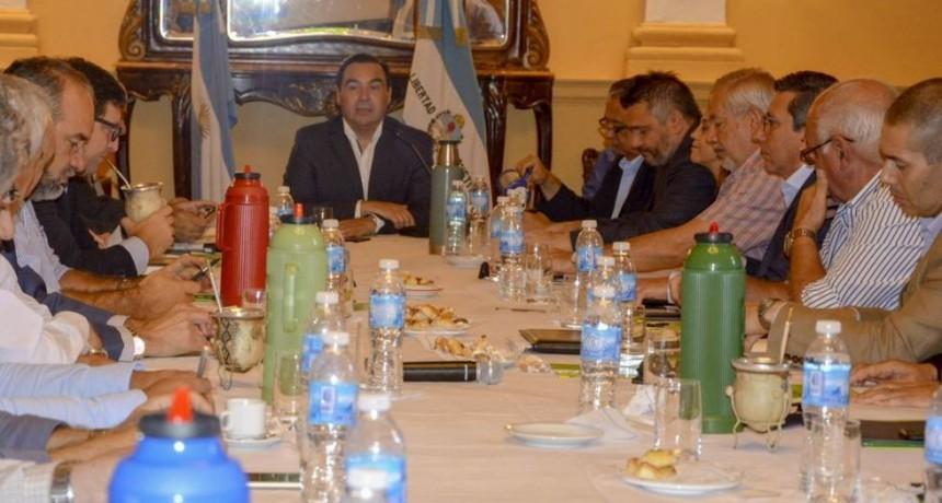 Salarios y gestión, los temas de gobierno en reunión ampliada