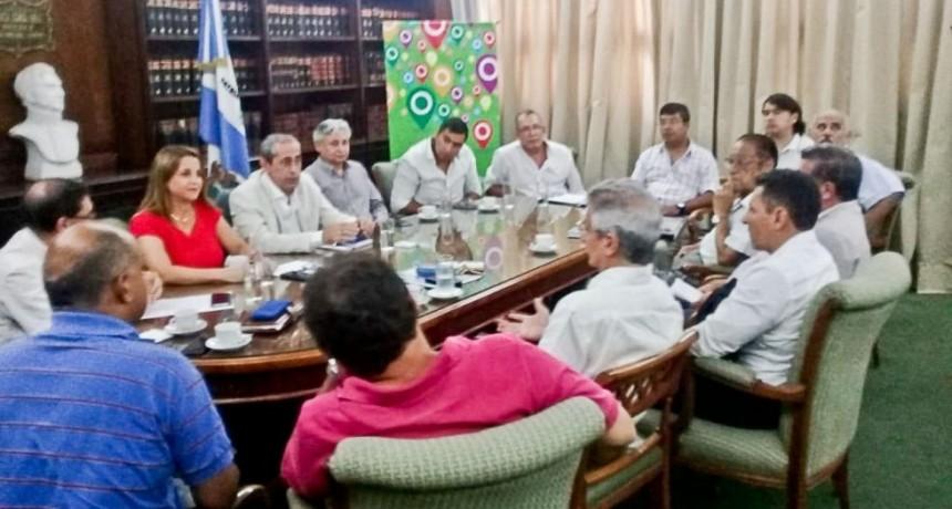 Corrientes busca cerrar acuerdo salarial con sindicatos docentes