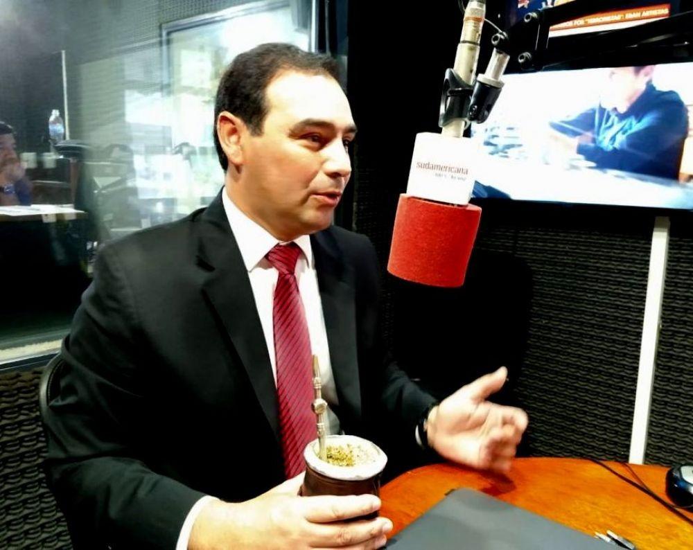 Valdés adelantó que la Provincia lanzará una tarjeta social propia