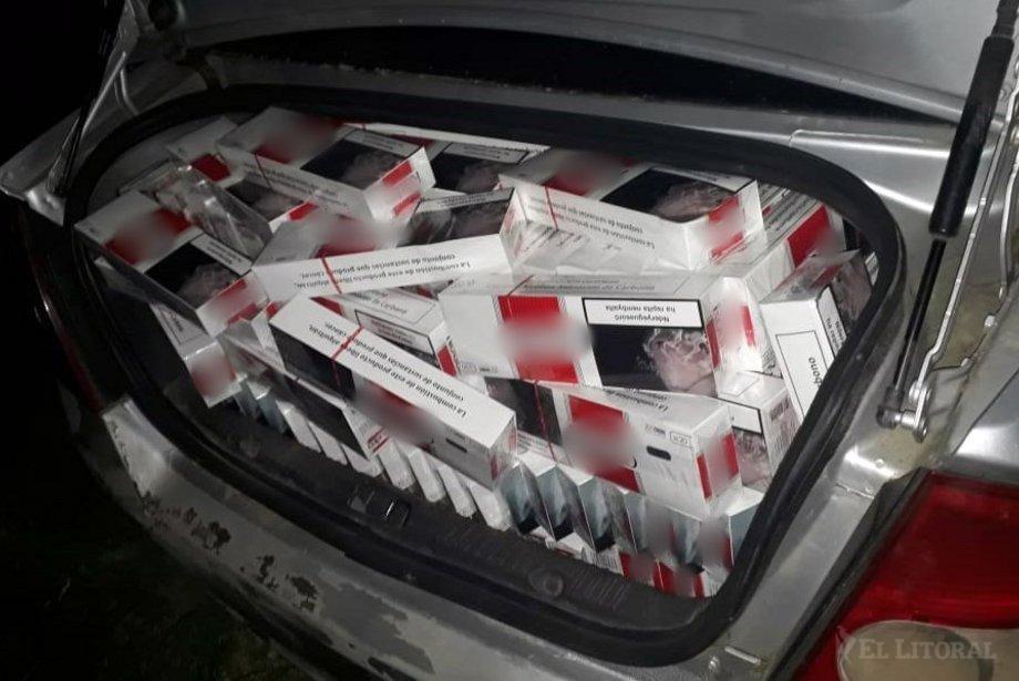 Descubrieron una carga de contrabando en un auto abandonado