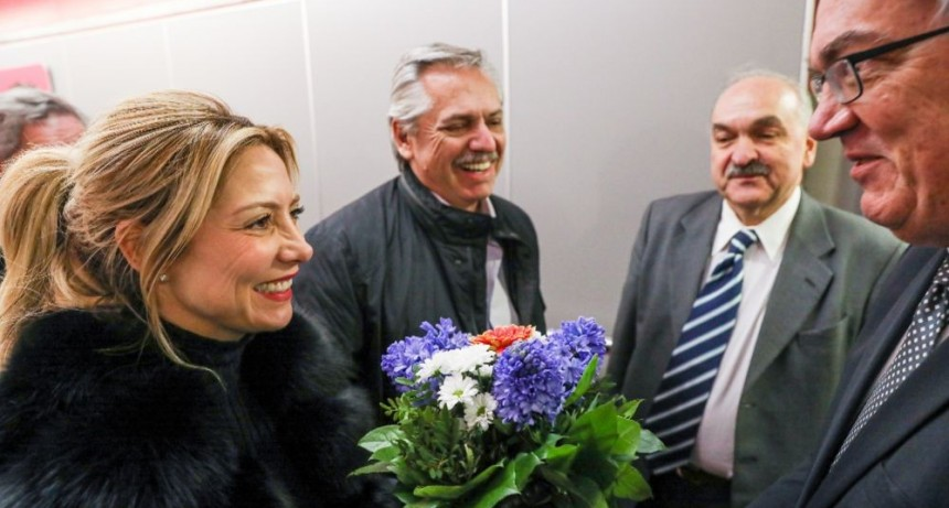 Fernández llegó a Alemania, con eje en renegociar de la deuda