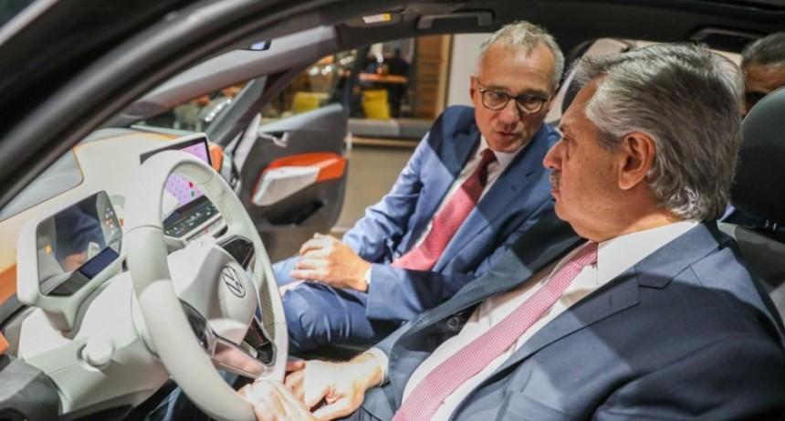 Volkswagen le confirmó a Alberto que invertirá USD 800 millones en Argentina