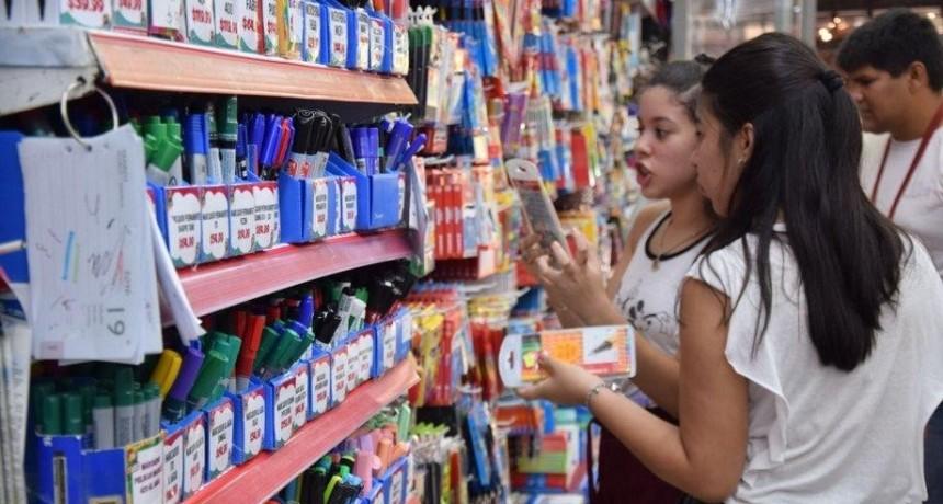 Vuelta a clases: el presupuesto supera los 5 mil pesos y las tiendas activan rebajas