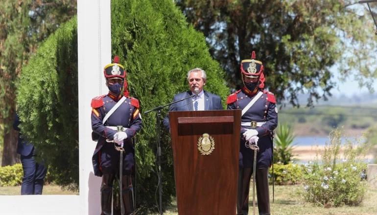 Alberto anunció en Corrientes la llegada de más vacunas este fin de semana