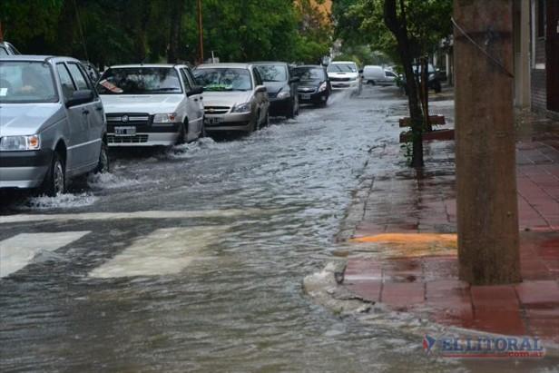 Otro día de caos en la ciudad por una lluvia extraordinaria