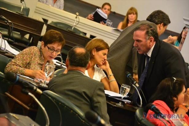 Eligen integrantes para el Jury y el consejo convocado por Colombi