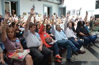 Aumento del 28,7% para docentes nacionales